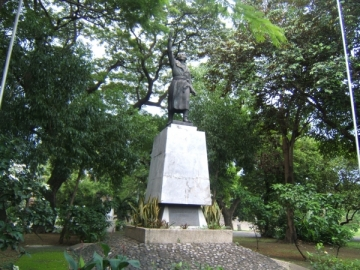 Miguel Hidalgo Monument in Intramuros